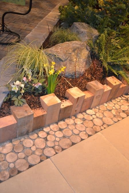 DIY Lawn Edging Ideas For Beautiful Landscaping: Wooden Garden Edging Ideas with Logs
