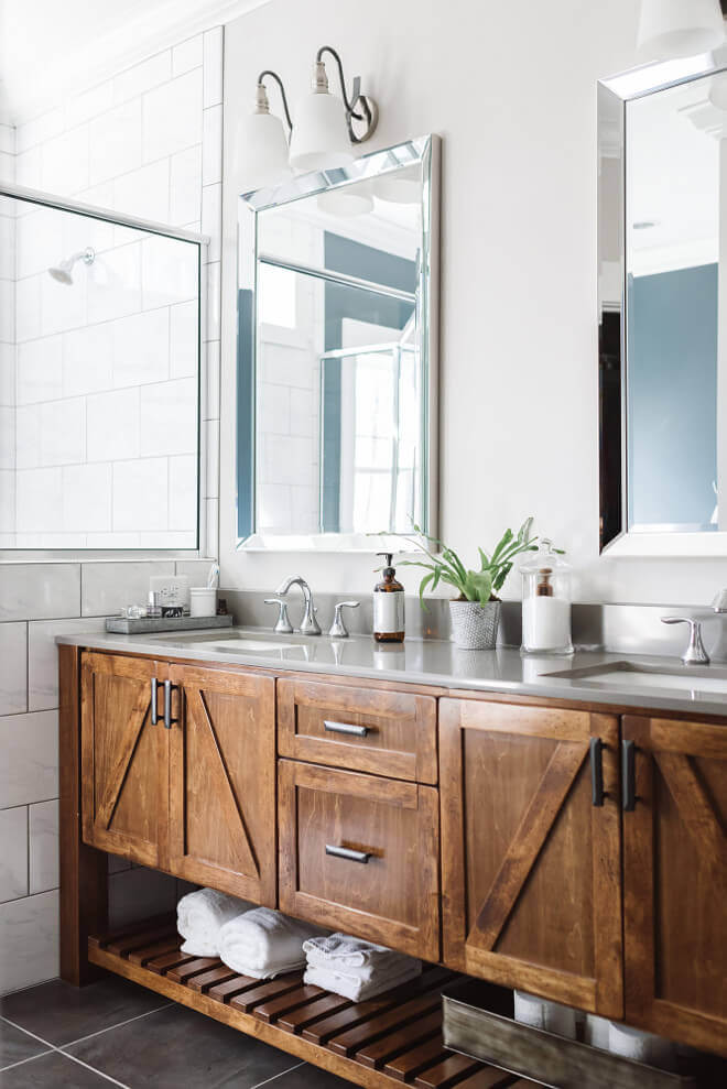 Raw Wood with Iron Handles for Bathrooms