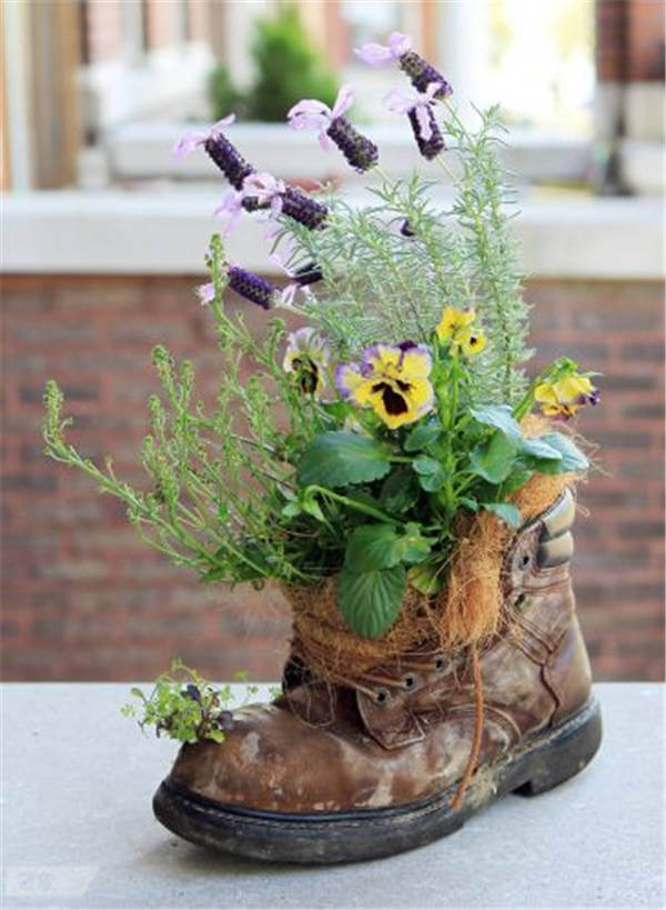 Upcycled Boot Flower Planter Tutorial