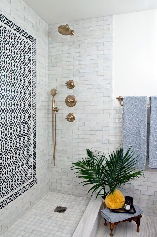 Art Deco Cabana Style Shower Display