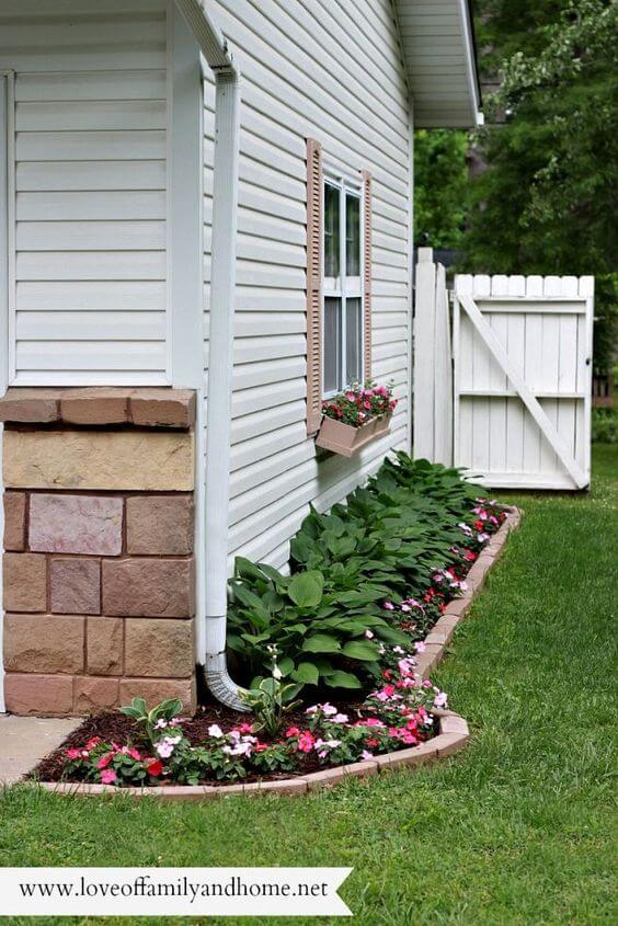 Flower Bed Ideas: Side Yard Flower Bed for Small Spaces