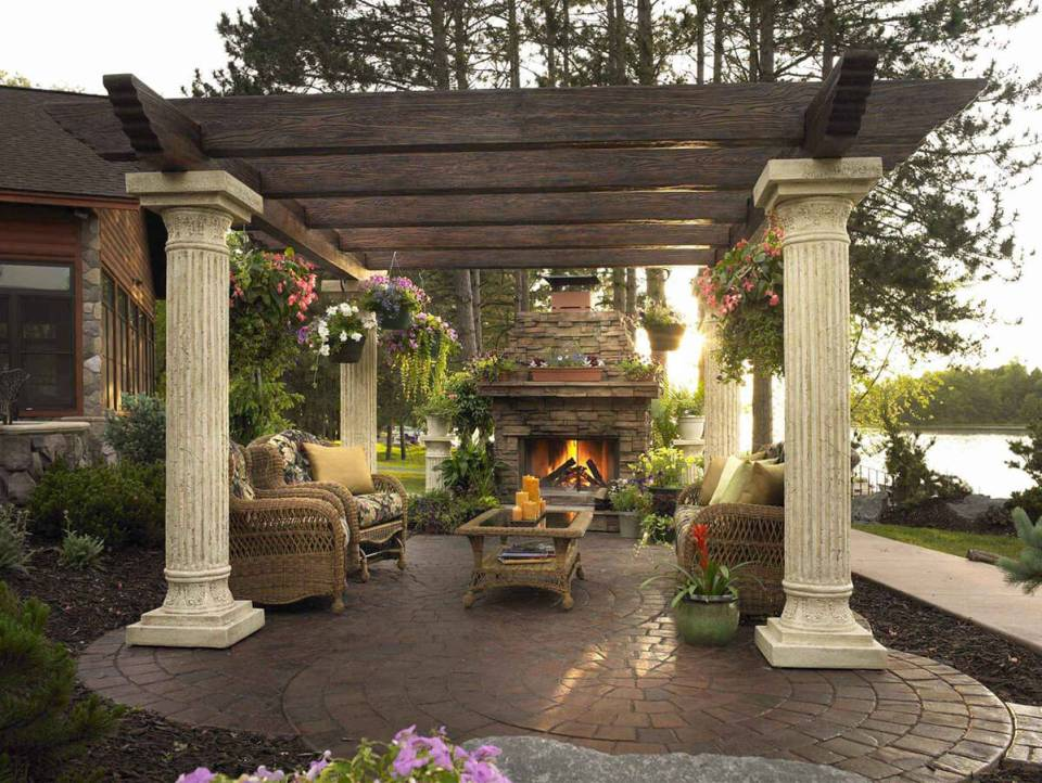 DIY Pergola Ideas: Rustic Grecian Pillared Pergola