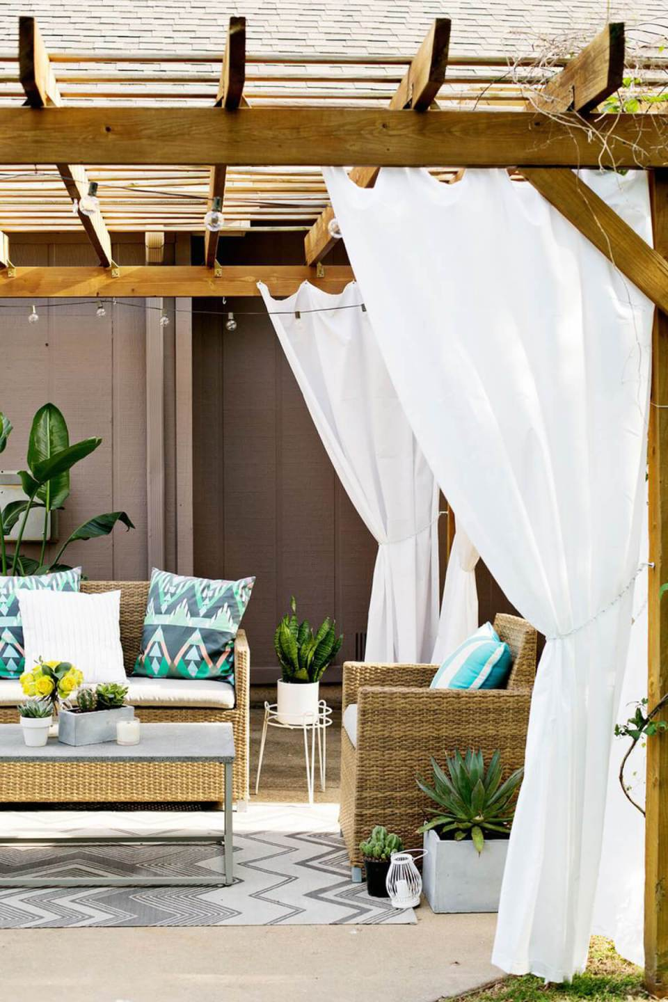 DIY Pergola Ideas: Malibu Shelter Curtained Pergola