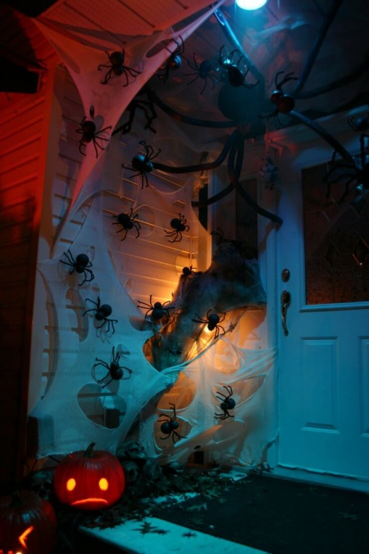 The Creepy-Crawly Home | Scary DIY Halloween Porch Decoration Ideas | vintage halloween porch