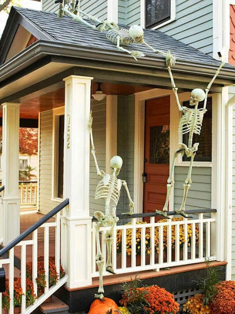 Skeletons on the Roof | Scary DIY Halloween Porch Decoration Ideas | vintage halloween porch