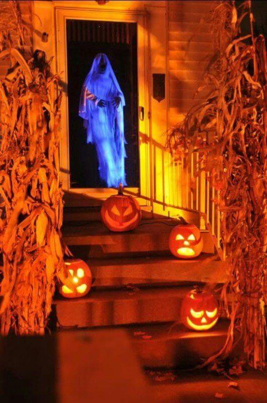 Halloween Front Door Decoration Ideas: Spooky Specter