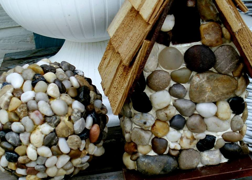 Cover a Ball and Birdhouse in Pebbles | DIY Garden Ball Ideas