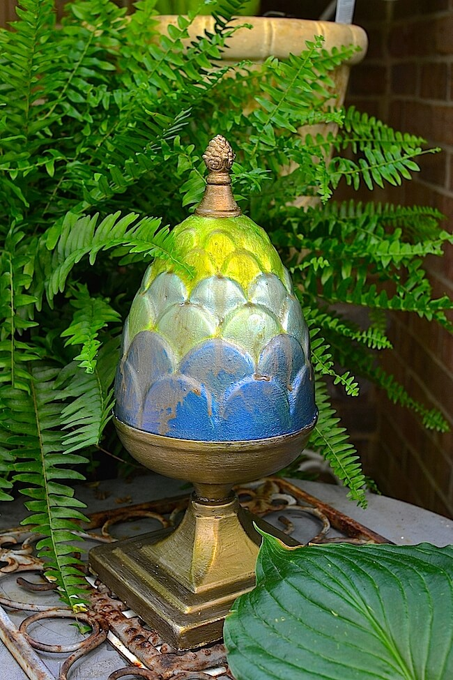 Spray-Painted, Egg-Shaped Porch Pedestal | DIY Painted Garden Decoration Ideas