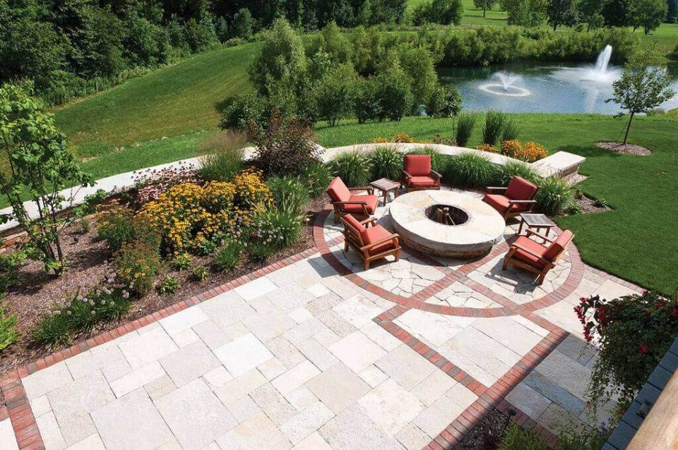 Comfort and Warmth Overlooking a Breathtaking Lake | Awesome Firepit Area Ideas For Your Outdoor Activities
