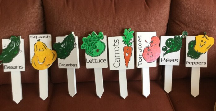 Charming Veggie Face Garden Stakes | Funny DIY Garden Sign Ideas
