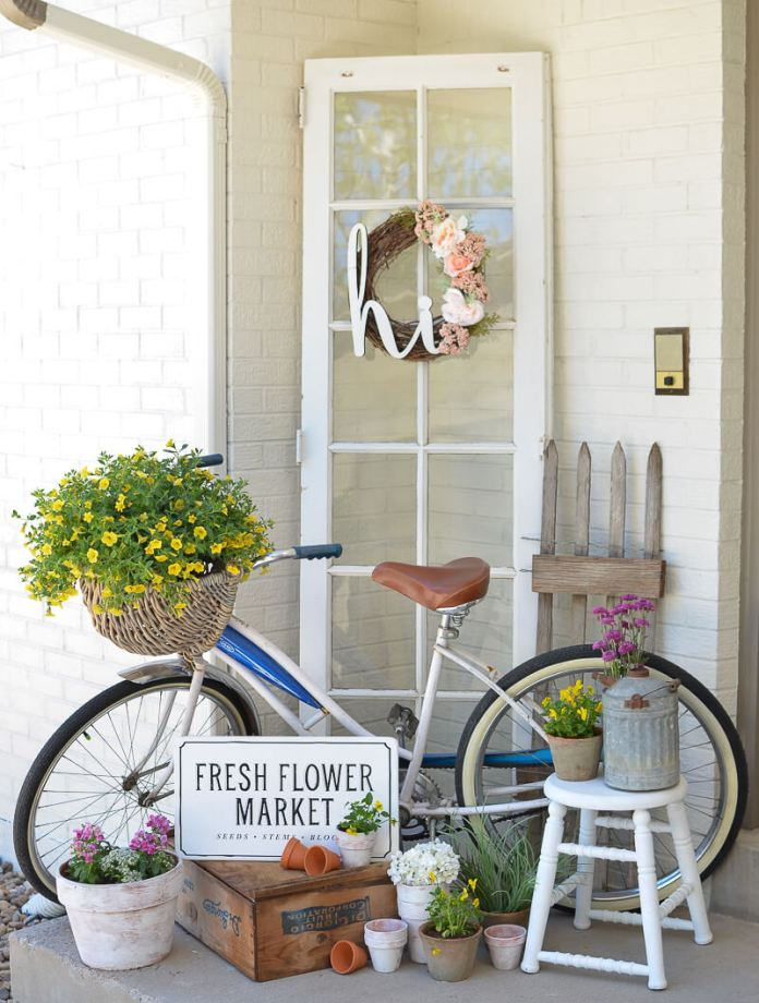 Idyllic Old World Inspired Cottage Chic | Vintage Porch Decor Ideas