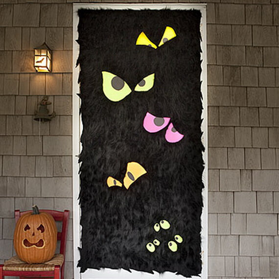 Halloween Door Decoration Ideas: Flurry Front Door for Halloween
