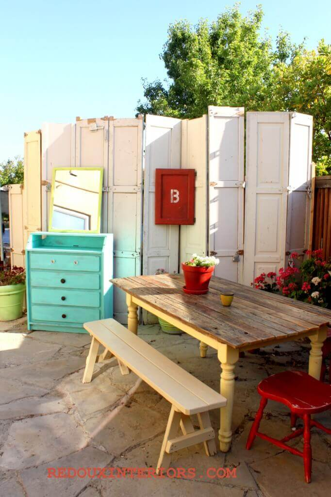 Privacy Screen with Reused Doors | Creative Repurposed Old Door Ideas & Projects For Your Backyard