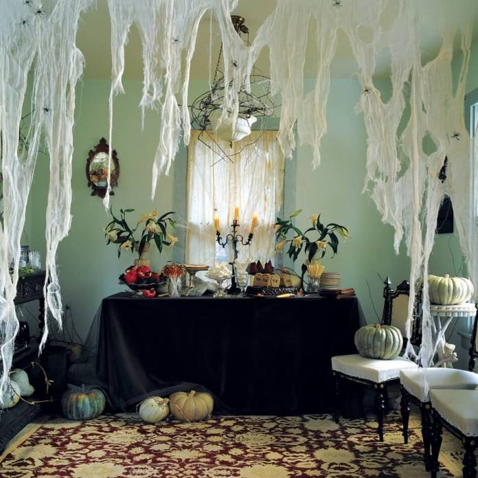 The Abandoned House | Awesome DIY Halloween Party Decor | BHG Halloween