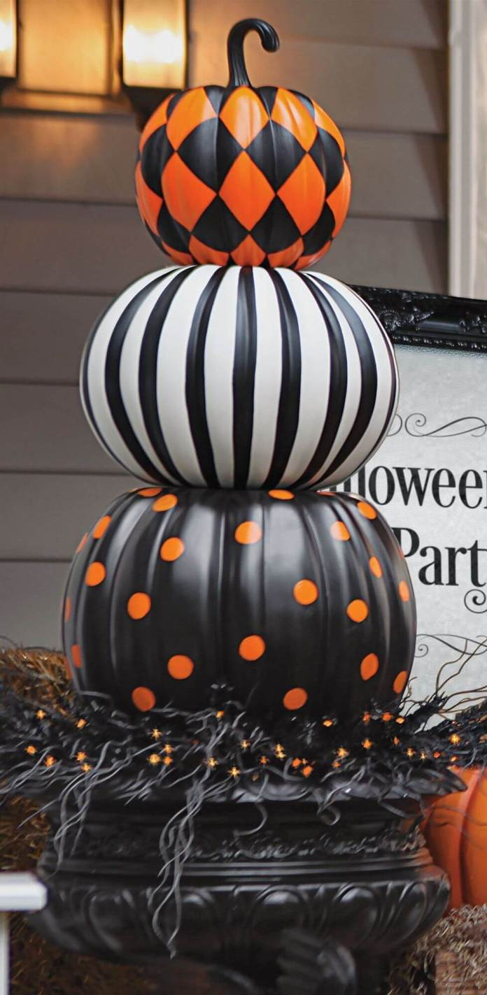 Pumpkins Have Character Too | Scary DIY Halloween Porch Decoration Ideas | vintage halloween porch