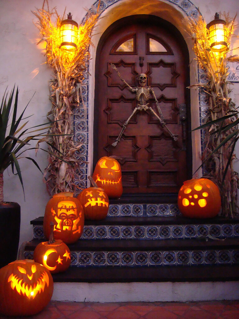 DIY Pumpkin Carving Ideas: Small Porch Style