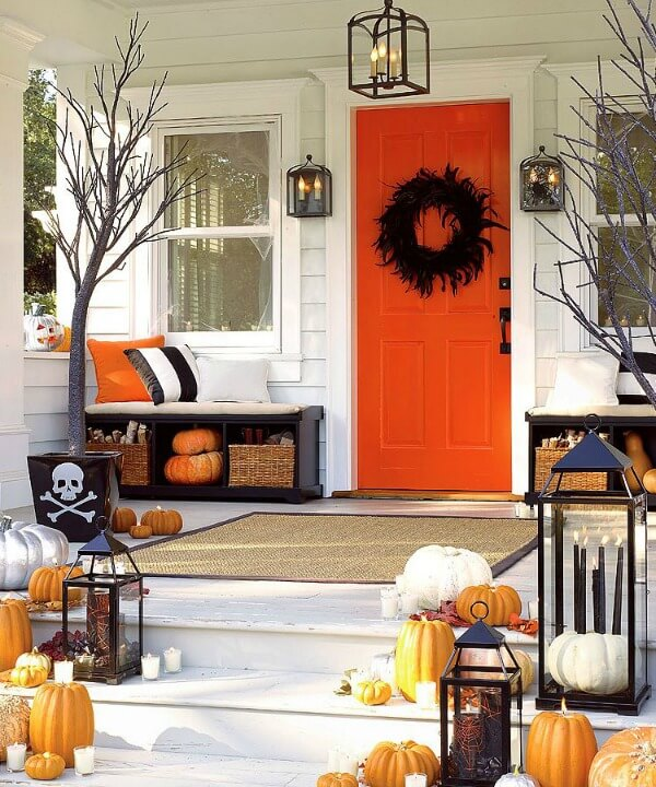Halloween Door Decoration Ideas: Funky Halloween Porch