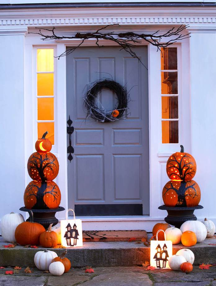 Beauty of Pumpkins | Scary DIY Halloween Porch Decoration Ideas | vintage halloween porch
