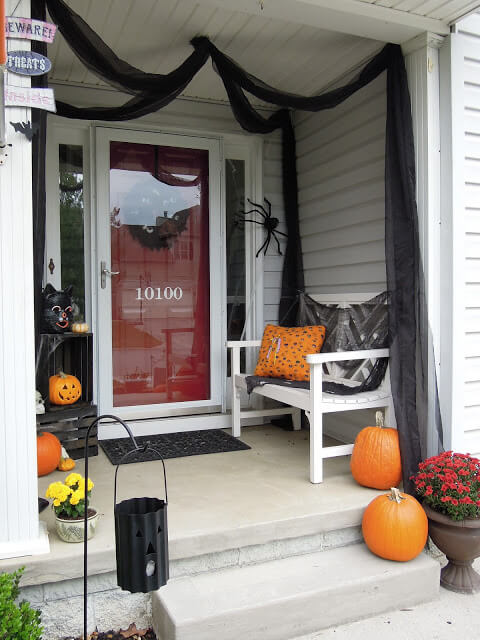 Halloween Door Decoration Ideas: Haunted Halloween Porch