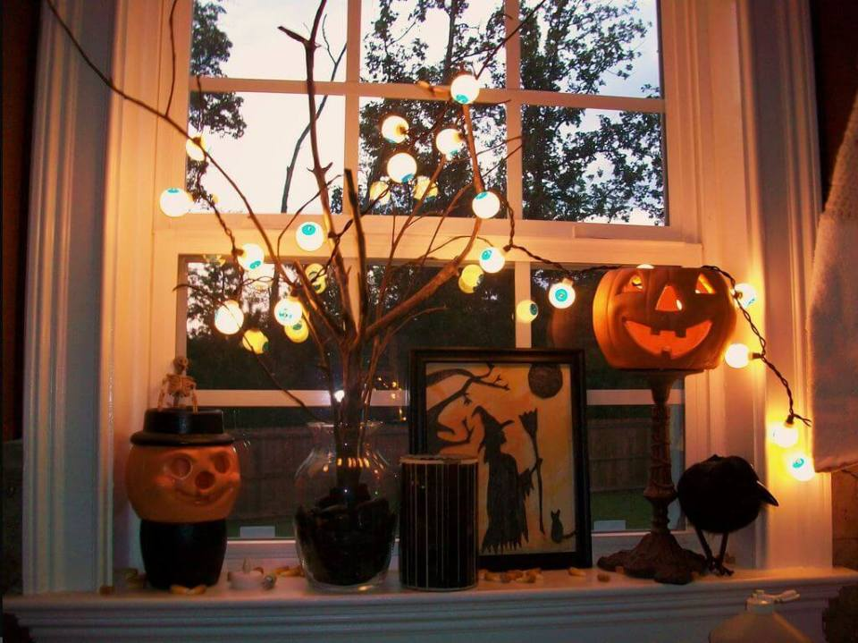 Vintage Pumpkin Design | DIY Halloween Window Decoration Ideas