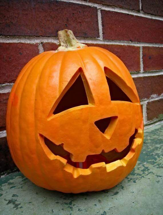 DIY Pumpkin Carving Ideas: Classic Jack-O-Lantern