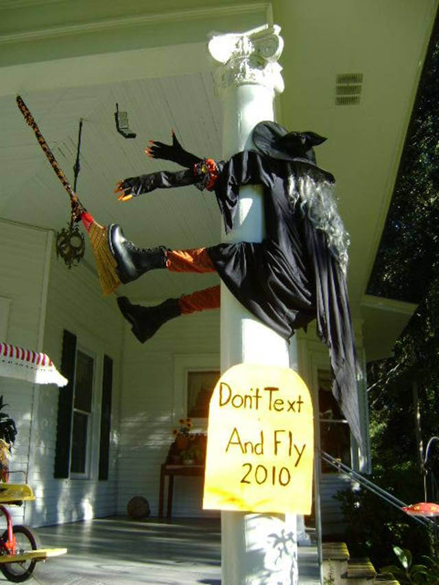 Nothing Like Humor to Attract Visitors   Scary DIY Halloween Porch Decoration Ideas   vintage halloween porch