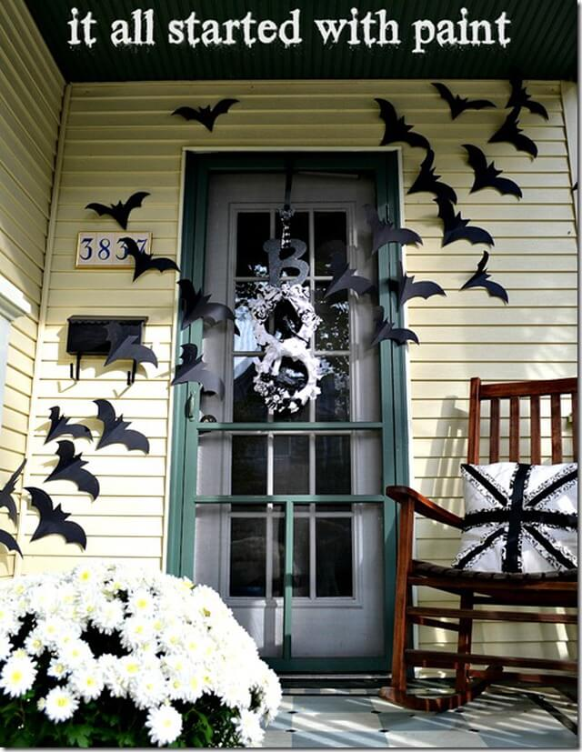 Beautiful Bats As Long as They Are Paper | Scary DIY Halloween Porch Decoration Ideas | vintage halloween porch