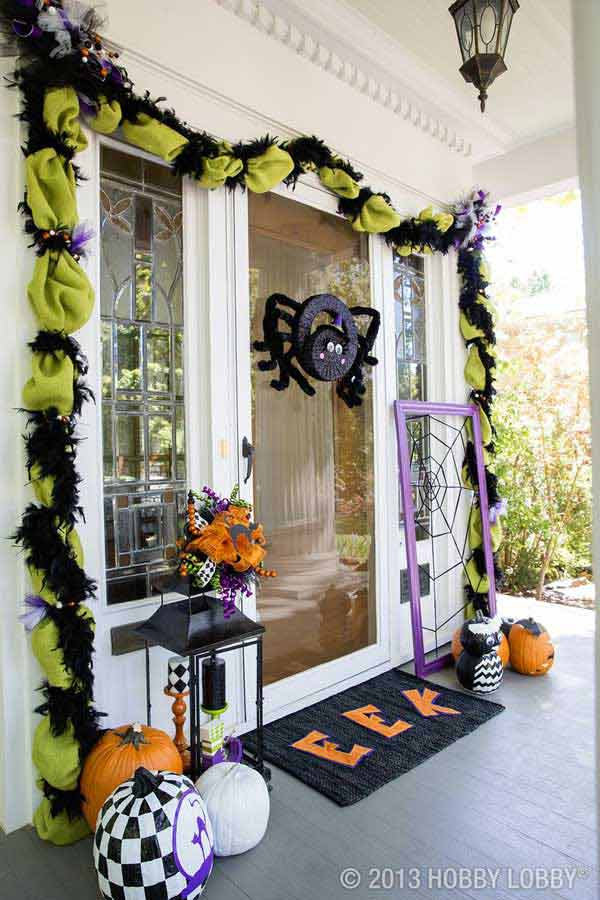 Halloween Door Decoration Ideas: Cute Halloween Spider Door Decoration