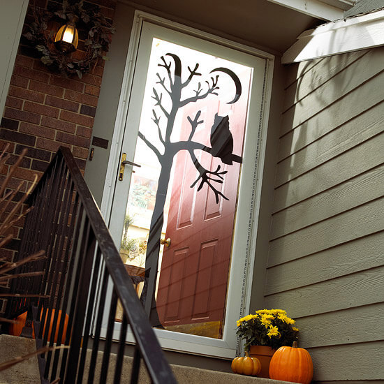 Halloween Door Decoration Ideas: Woo's There?