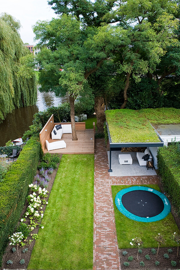 21 Easy and Inexpensive Floating Deck Ideas For Your Backyard on Simple Back Deck Ideas id=81866