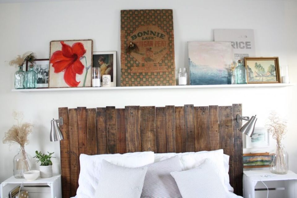 DIY Pallet Headboard | DIY Headboard Decoration Ideas for Bedroom