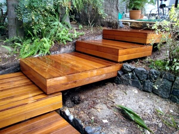 Wooden Garden Stair | Creative Garden Step & Stair Ideas | FarmFoodFamily