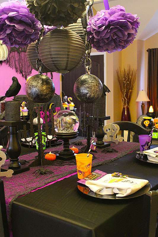 House of Spooks | Fun & Spooky Halloween Table Decoration Ideas - FarmFoodFamily.com