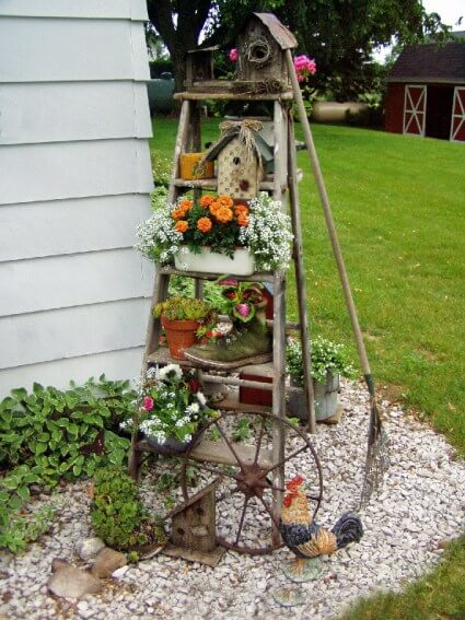 Old wooden ladder | Up-cycled Trellis Ideas For Garden