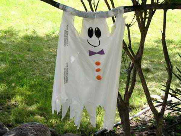 Halloween yard decor on the cheap