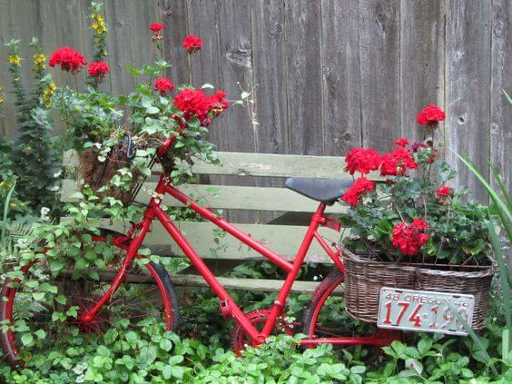 Bicycle Garden Planter Ideas For Backyards | FarmFoodFamily