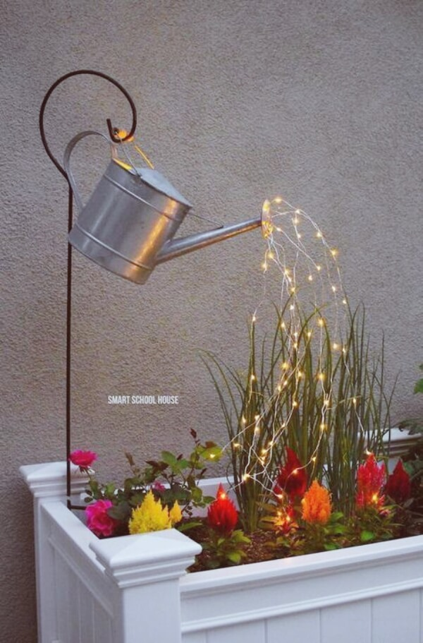 Garden Light | Creative DIY Garden Lantern Ideas - FarmFoodFamily.com