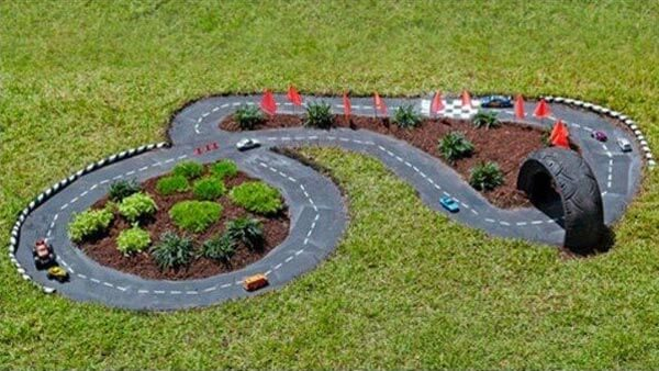 Build a race car track for kids | DIY Race Car Tracks for Kids - FarmFoodFamily
