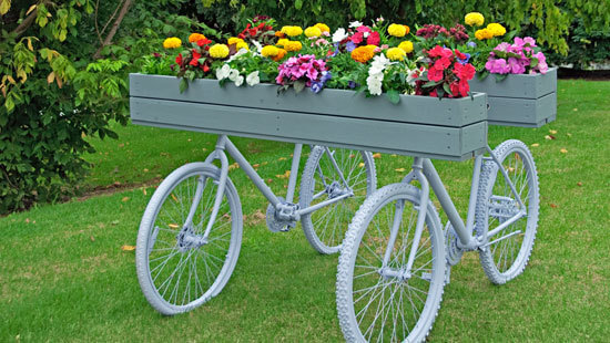Bike-Bottom Planters | Bicycle Garden Planter Ideas For Backyards | FarmFoodFamily