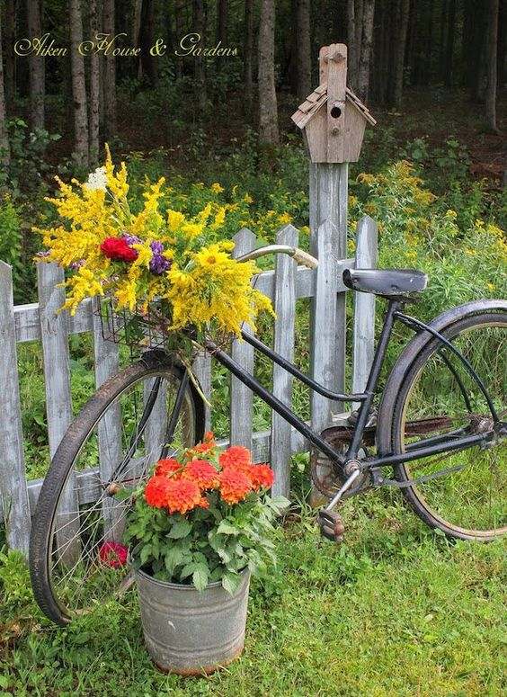 Upcycled Bicycle Planter | Bicycle Garden Planter Ideas For Backyards | FarmFoodFamily