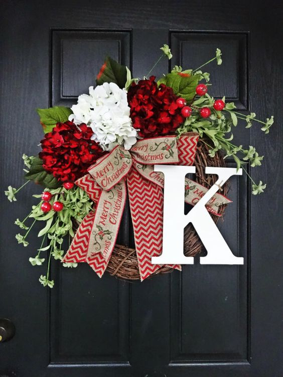 Red and White Hydrangea and Chevron Burlap Merry Christmas Wreath | Creative, Easy, and Inexpensive Christmas Wreaths | Farmfoodfamily.com