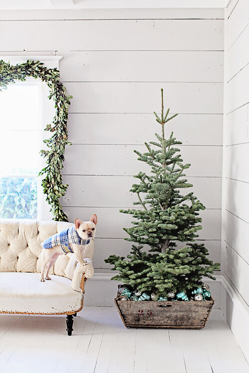 French Farmhouse Christmas Tree | Best Way to Decorate Christmas Trees on a Budget: Inexpensive or Free & Easy Holiday Ornaments & Decorations