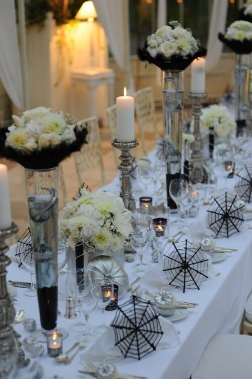 Elegant Halloween Table Settings | Halloween Wedding Theme Ideas - Farmfoodfamily.com