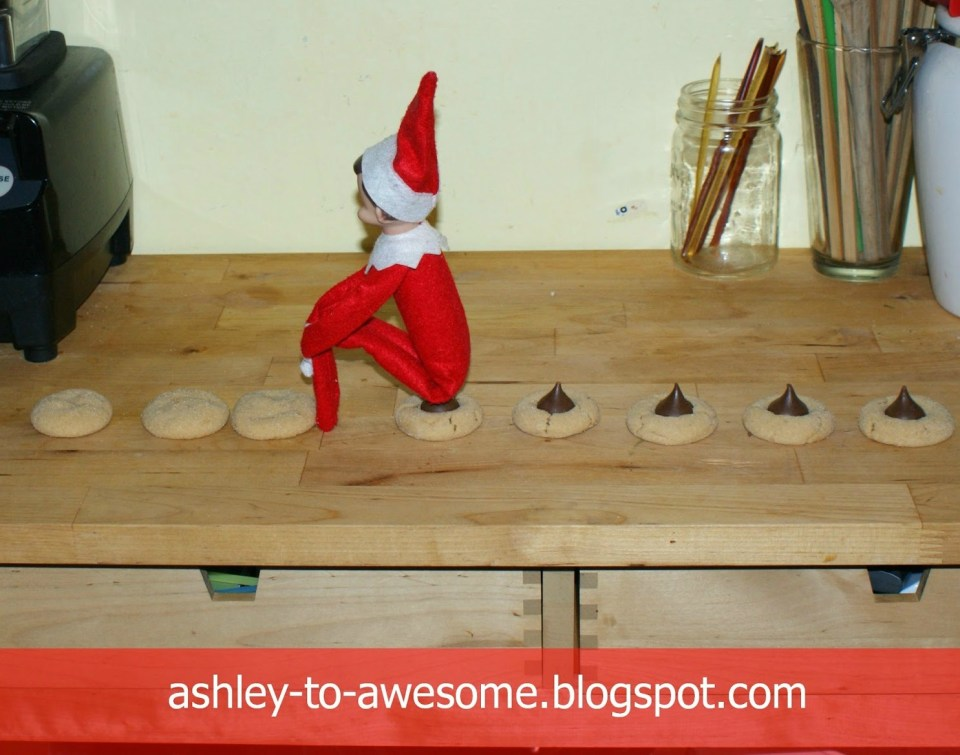 Pooping Kiss Cookie Elf | Fun & Simple Elf on Shelf Ideas For This Christmas