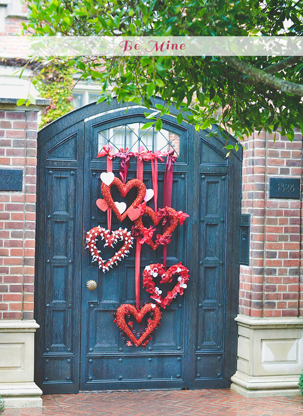 Heart wreaths | Valentine's Day Decorating Ideas For Your Lovers | FarmFoodFamily.com