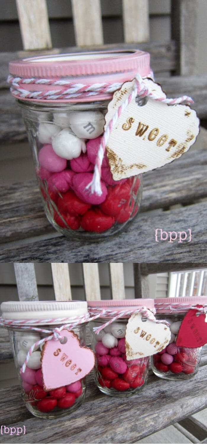 Layered candy mason jars | DIY Mason Jar Gift Ideas For Valentine's Day | FarmFoodFamily.com