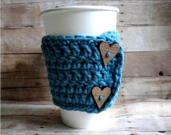 Wooden Heart Button & Blue Mug Warmer | Environmentally-Friendly Valentine's Day Gifts