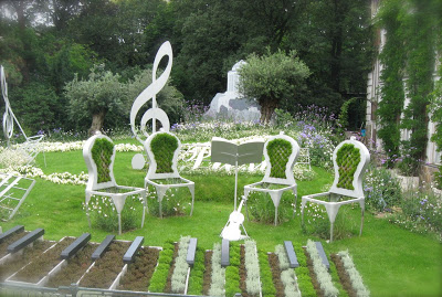 Garden of Music | Creative Upcycled DIY Chair Planter Ideas For Your Garden