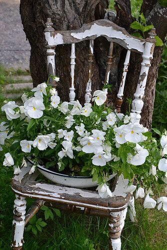 Flower planter chair | Creative Upcycled DIY Chair Planter Ideas For Your Garden