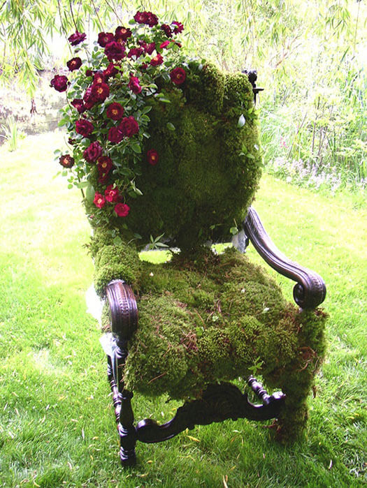 DIY moss covered chair | Creative Upcycled DIY Chair Planter Ideas For Your Garden